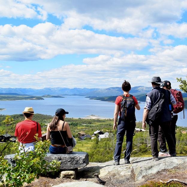 hardangervidda nasjonalparksenter skinnarbu oldemorstien turguide turistguide audioguide lydguide