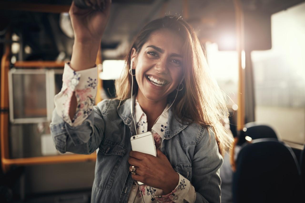 FRAM lykkelig passasjer lytter til voice of norway fortellinger