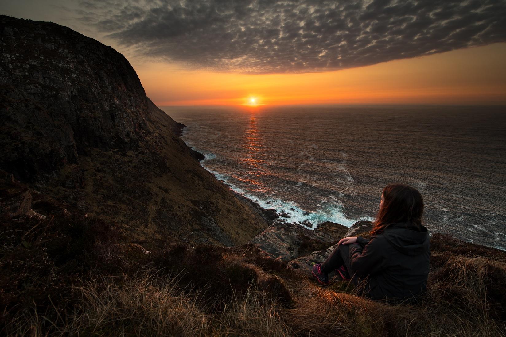 Solnedgang-Runde-utsikt-fuglefjell-Havlandet-Fosnavaag-reisegude-reiseapp-lydguide-app-mobilguide-Voice-Of-Norway-Foto-Kristoffer-Ytterland